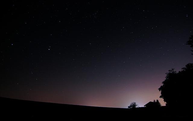 night-339195_640