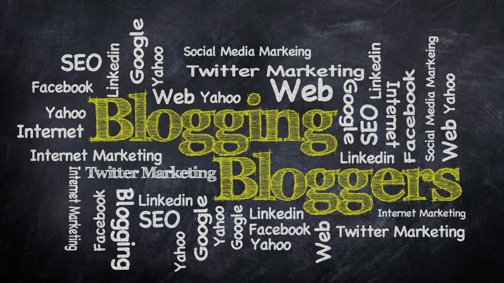 blogging-428955_1920